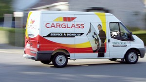 Sur l'ensemble des opérations sur site menées à bien par Carglass, les trois quarts concernent la réparation d'impacts, contre un quart pour le remplacement. Et les ateliers mobiles peuvent intervenir dans les parkings souterrains.
