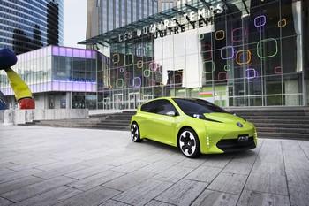 TOYOTA FT-CH Conçue pour le marché américain, la FT-CH de Toyota sera lancée au Mondial. Décrite comme une « petite compacte full hybride à petit prix », elle reprend la technologie et l'ensemble moteurs-transmission de la Prius.