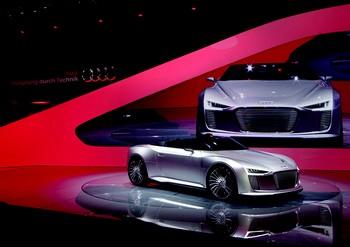 Hybride diesel-électrique, l'AUDI SPYDER émet 59 g/km de CO2.