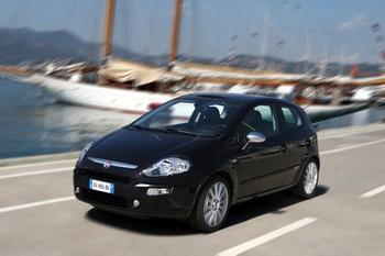 FIAT PUNTO EVO Développé avec Opel, le 1.3 CDTI de 95 ch avec Stop&Start permet à la Punto Evo et à la Grand Punto de descendre à 95 g mais avec une puissance ramenée à 85 ch. Une finition spéciale Entreprise est déclinée sur la base Dynamic.