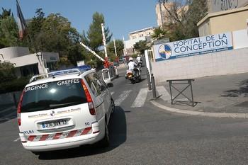 La flotte de l'Assistance publique des hôpitaux de Marseille compte 240 véhicules, répartis entre 70 % d'utilitaires et 30 % de berlines. Tous ont été renouvelés entre 2004 et 2009. L'électrique est envisagé pour 2012.