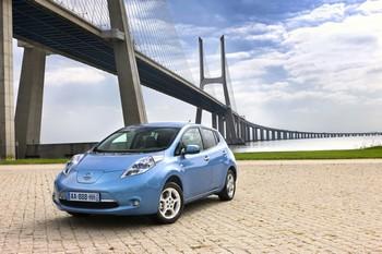 La Leaf de Nissan sera commercialisée en Europe dès son lancement en 2011 en location longue durée avec LeasePlan. Le loueur a ainsi acquis 100 véhicules en septembre dernier. Le prix de vente de la Leaf est de 30 000 euros.
