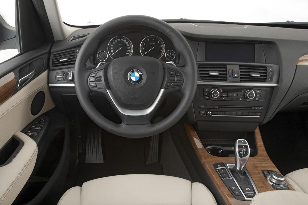 Le tableau de bord du BMW X3
