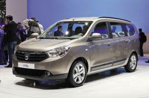 Le prix du Lodgy de Dacia débutera à 9 900 euros. Ce modèle offre une habitabilité record, avec 2,6 m3 en position deux places, ce qui laisse augurer d'au moins 3 m3 dans la version VUL lancée au Mondial de Paris.