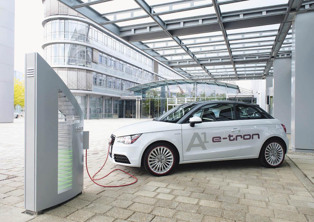 Le concept A1 e-Tron équipé d'un système électrique plug-in à extension d'autonomie. Celui-ci adopte un moteur électrique de 45 Kw, associé à un petit moteur rotatif Wankel de 254 cm3.