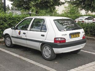 La mairie de Bourges dans le Cher utilise notamment quatre Saxo électriques depuis la fin des années 90, ainsi que 31 véhicules roulant au GNV depuis 2007. Avec des gains sur la consommation de carburant.