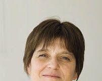 """""""Je suis exigeante et j'obtiens toujours une réponse"""" Isabelle Huizenga, Responsable de Parc Automobile, Astra Tech France"""