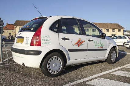 Opérateur de gaz, Vialis recourt au GNV depuis plus de quinze ans. Dans cette entreprise alsacienne, la plupart des 80 véhicules de la flotte, de la berline à la fourgonnette, roulent en effet au gaz.