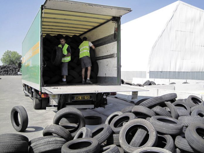 La difficile renégociation du décret sur la filière pneus