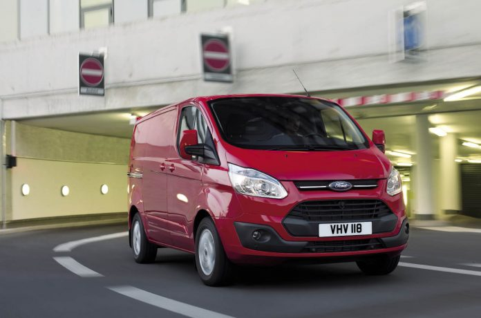 Fourgon compact : Ford Transit Custom
