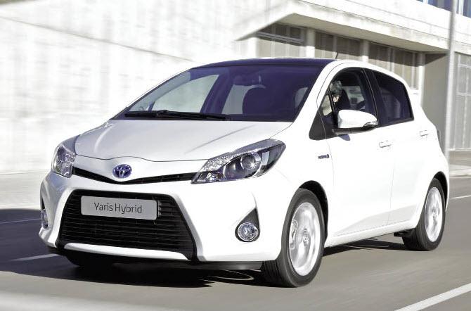 Gammes sociétés, business et utilitaires : l'offre 2013 de Toyota