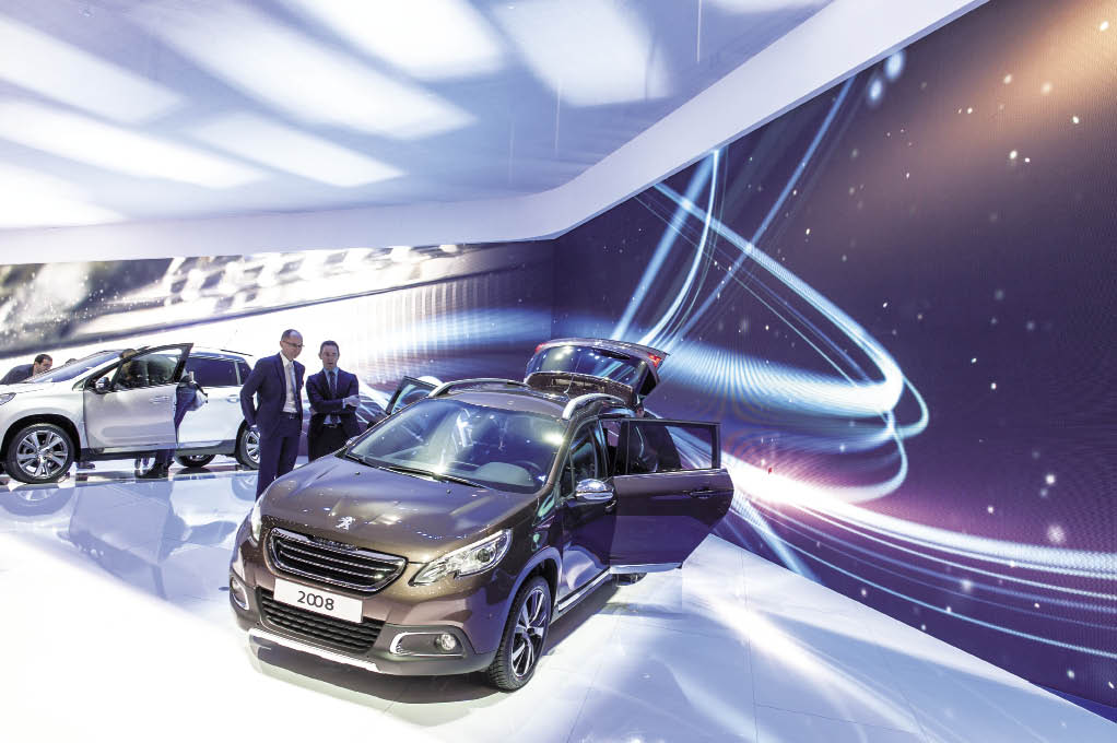 Sous le capot du 2008, le petit crossover, sont proposés plusieurs diesels HDI de 68 à 115 ch, avec des émissions à partir de 98 g de CO2. Premier prix : 16 700 euros en version HDI Access de 68 ch.