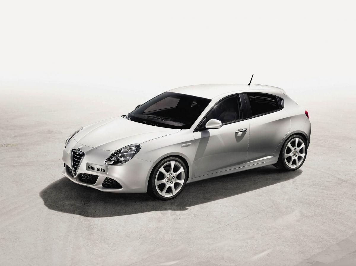 Une version Distinctive Business de la séduisante Giulietta dans deux motorisations diesel : 1.6 JTDm 105 ch (114 g, 27 700 euros) et 2.0 JTDm 140 ch (119 g, 29 700 euros).