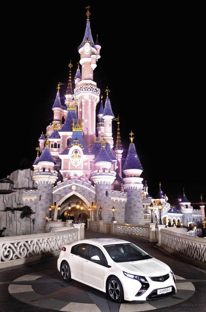 Client d'Opel Business Services pour les 500 véhicules de sa flotte, Disneyland Paris a fait le choix d'intégrer des Ampera électriques à prolongateur d'autonomie à destination des membres de sa direction.