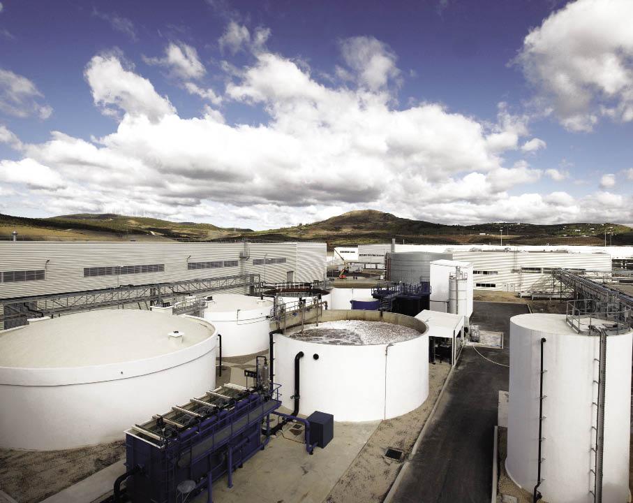 Dans son usine de Tanger, Renault avance sa capacité à purifier 600 à 700 m3 d'eau par jour. « Un levier de progrès essentiel dans les régions connaissant un manque d'eau », souligne le constructeur.