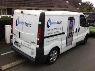 Fabricant et distributeur de fontaines à eau, Waterlogic a repensé l'identité visuelle de la vingtaine de véhicules de sa flotte il y a deux ans, avec notamment comme objectif de mieux faire connaître sa marque.
