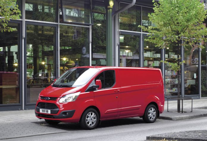 Fourgons compacts : Ford Transit Custom