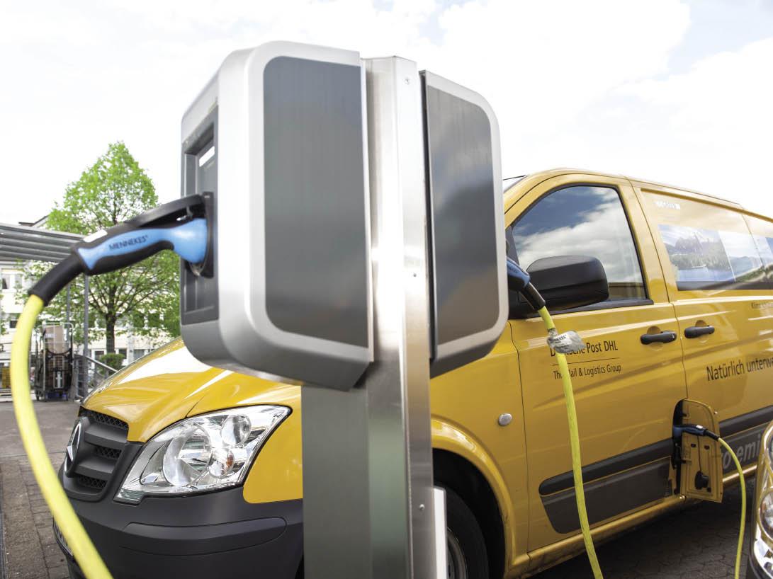 Selon les tests réalisés par Deutsche Post DHL, le véhicule électrique est valable pour des parcours compris sous les 50 km quotidiens, soit 80 % de l'activité en Allemagne, avec un métier postal.