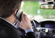 Le risque d'accident des deux côtés du téléphone