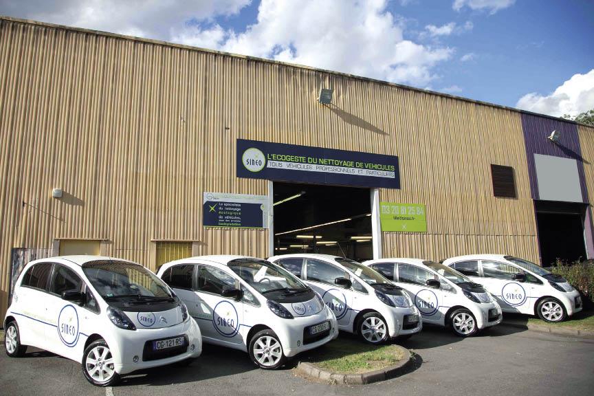 Le prestataire Sineo intervient sur les sites de ses clients avec ses produits de nettoyage écologique. Et recourt pour ce faire à quelques véhicules électriques, notamment au sein de ses agences de Lille et de Toulouse.