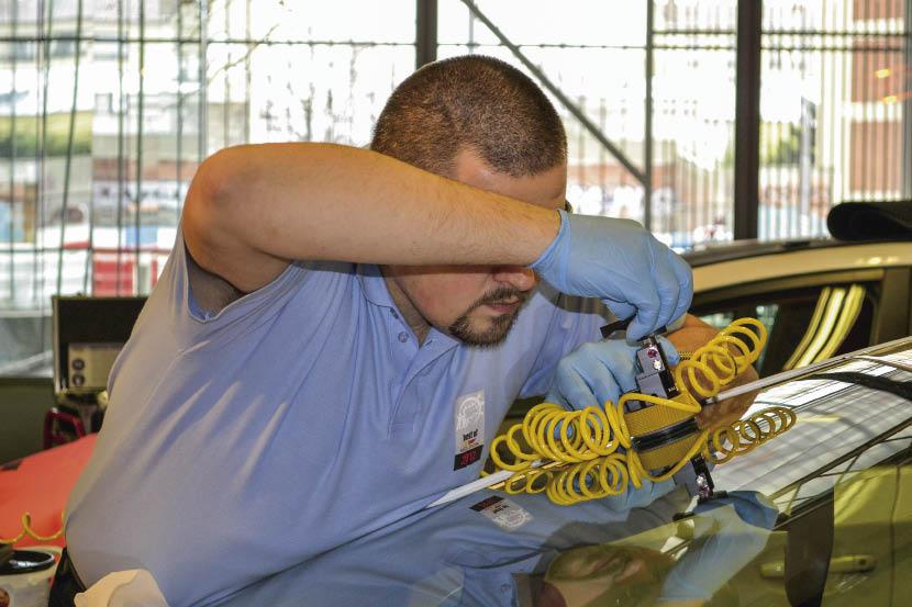 Carglass met en avant 1 million d'interventions par an en France, sur l'ensemble du territoire, avec entre autres 630 véhicules ateliers. À noter que l'enseigne  a mené cet été une campagne sur la visibilité.