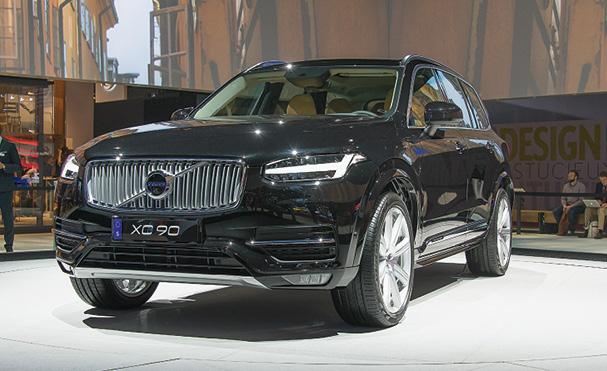 Le XC90 de Volvo en version D4 revendique 190 ch pour 5 l/100 km en cycle mixte (CO2 en attente). La version D5 affiche 225 ch et 5,8 l/100 km pour 152 g. Suivront un hybride essence de 400 ch et un hybride rechargeable (60 g).