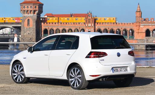 Volkswagen met l'accent sur sa nouvelle Passat mais le constructeur est aussi en plein lancement du Sportvan, après la Polo. La Golf GTE, plug-in hybride, comme sa cousine l'A3 e-tron, mise sur l'hybridation rechargeable.
