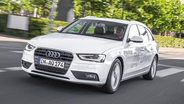 Avec l'A4 Avant chez Audi, il est préférable de s'attarder sur l'aménagement intérieur que sur le volume du coffre (490 à 1 430 l). Côté motorisations, l'A4 signe un surprenant 109 g en 2.0 TDI 136 sous l'écolabel ultra.