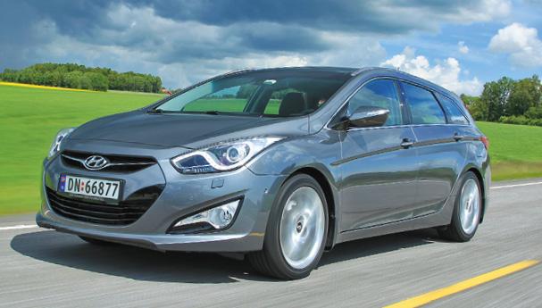 En Sport Wagon, l'i40 de Hyundai n'est pas dénuée de charme. Et ce modèle offre une capacité surprenante avec, dans 4,77 m, un coffre de 553 à 1 719 l (à partir de 29 500 euros en 1.7 CRDi 115 Blue Drive à 113 g).