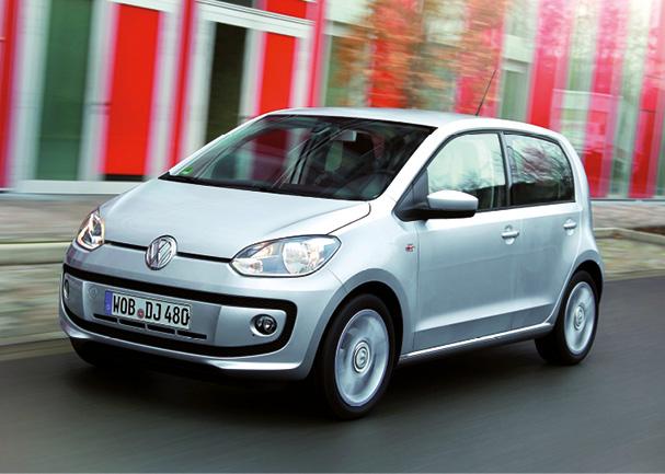 Chez Volkswagen, la up! existe en 60 ch et 105 g de CO2, voire 95 g en BlueMotion, à partir de 10 100 et 10 650 euros ; en 75 ch et 108 g, mais aussi à 98 g en BlueMotion, à partir de 10 880 et 12 640 euros.