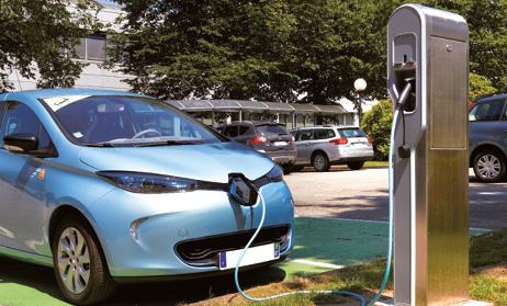 La Commission européenne a établi ses objectifs à un point de recharge pour dix véhicules. Avec ce ratio, tous les véhicules électriques devraient pouvoir circuler dans toutes les agglomérations urbaines et suburbaines.