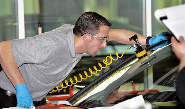 Spécialiste du pare-brise, Carglass mise sur l'accroissement du nombre de véhicules-ateliers pour optimiser sa couverture du territoire. L'enseigne dispose à l'heure actuelle d'une flotte de 630 véhicules mobiles.