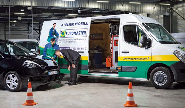 Outre le changement de pneus, Euromaster offre une large gamme de prestations, de la vidange au changement de plaquettes de freins. L'enseigne comptait plus de quarante ateliers mobiles fin 2014 et vise les cinquante début 2015.