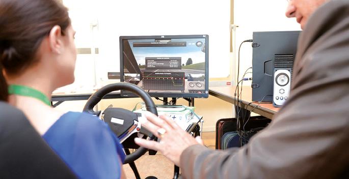 Pour placer ses conducteurs en situation réelle, Onet a fait le pari de la formation obligatoire sur simulateur. 4 000 salariés ont ainsi bénéficié d'une session de 1 h 30 et suivent une formation tous les trois ans.