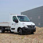 Une benne JPM sur le Renault Master en sortie d'usine
