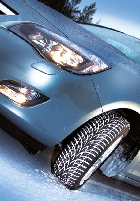 Sous les 7° C, l'adhérence, la tenue de route et donc la durée de vie des pneus été se dégradent. À l'opposé, avec son mélange de gomme plus tendre, le pneu hiver conserve sa souplesse avec à la clé une adhérence accrue (photo Nokian).