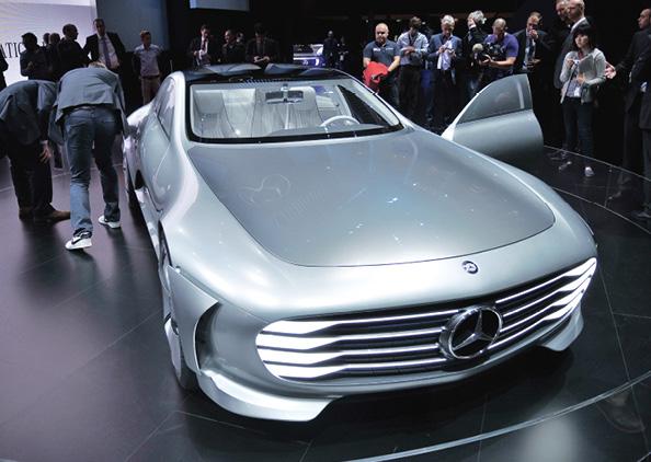 Le Concept IAA (Intelligent Aerodynamic Automobile) de Mercedes revendique un Cx de 0,19. Ce qui lui permet d'afficher des émissions cantonnées à 28 g, malgré la présence des 279 ch d'une motorisation hybride essence.