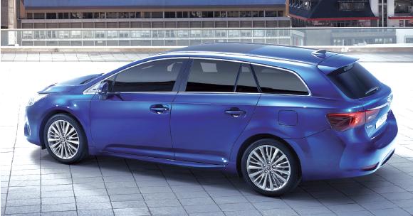 """Restylée, l'Avensis Touring Sports de """"Toyota"""" conserve 543 à 1 609 l de coffre. Avec le 1.6 D-4D de 112 ch à 109 g (30 500 euros en Dynamic Business) et le 2.0 D-4D de 143 ch à 120 g en Executive Business à 32 500 euros."""