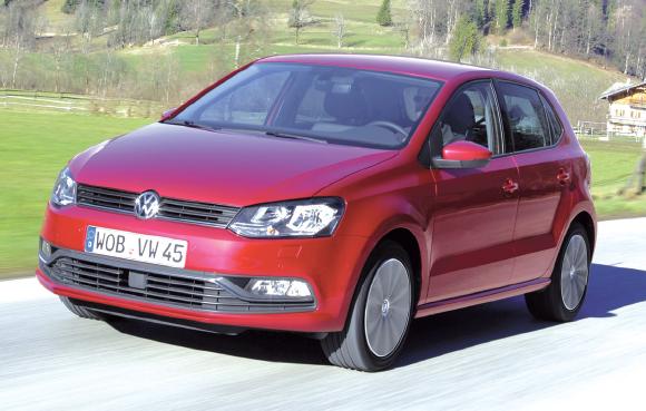 Avec près d'une trentaine de combinaisons, la VW Polo en version Société (VS) mise en diesel sur le 1.4 TDI en 75 et 90 ch, pour des émissions à 88 g dans les deux cas (respectivement à partir de 13 375 et 13 966 euros).