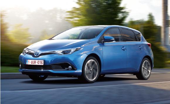 L'Auris de Toyota s'affiche à 79 g en berline (sinon 82 ou 91 g selon la dotation et les pneus), le tout à partir de 25 900 euros en Business. Pour le break Touring Sports (4,60 m), comptez à partir de 81 g et 26 050 euros.