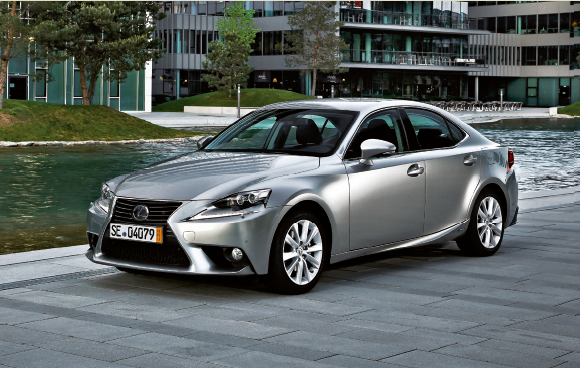 Essai flash >> Lexus IS 300h