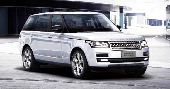 Le Range Rover démontre qu'un V6 diesel peut modérer son appétit avec l'apport d'un moteur électrique, et gagner en puissance. Le SDV6 3.0 Hybrid revendique 340 ch et affiche 164 g (à partir de 133 200 euros).