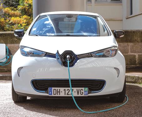 Limoges Métropole veut passer à l'électrique ses véhicules de service et vise d'ici quatre ans 30 à 40 % des véhicules légers en électrique. En parallèle, l'implantation de 125 bornes de recharge est prévue d'ici un an.