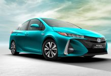 Salon de New York : Toyota dévoile la Prius rechargeable