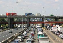 La France moins embouteillée, pas Paris