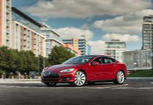 Tesla Model S 70D : vers la conduite autonome