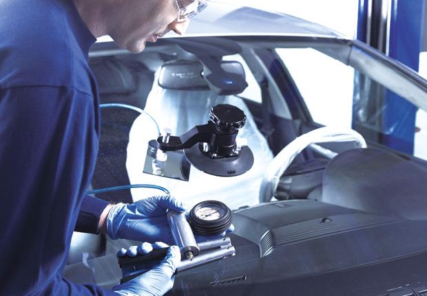 Depuis peu, Norauto emploie une nouvelle résine développée par Wizziq. Plus fluide que les résines actuelles, elle améliore la qualité de la réparation techniquement et esthétiquement. Avec à la clé une visibilité réduite de la réparation.