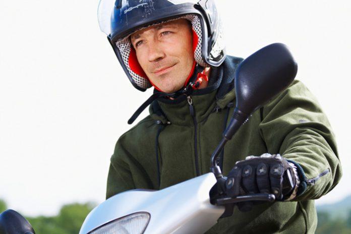 Le port des gants devient obligatoire à scooter et en moto