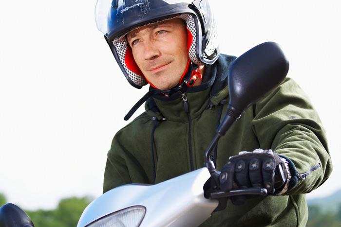 le port des gants devient obligatoire scooter et en moto. Black Bedroom Furniture Sets. Home Design Ideas