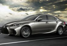Lexus IS : double jeu